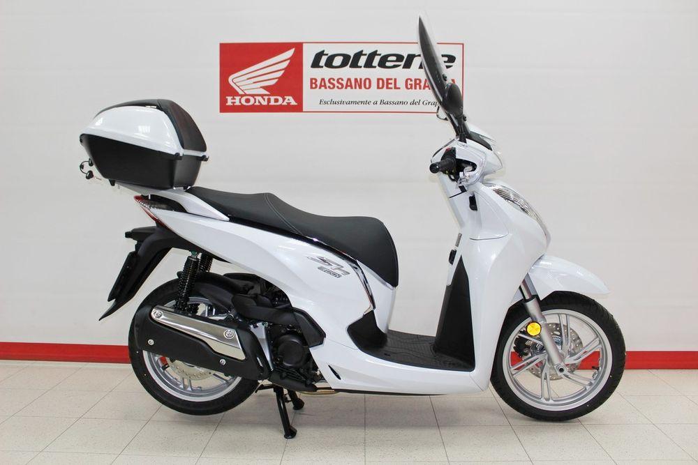 Moto Usate Honda Sh 300 Abs Km 0 Motosalone Tottene